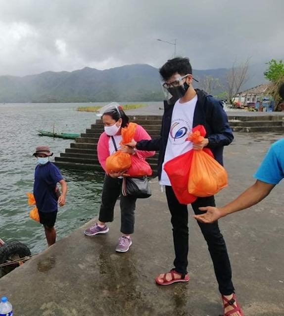 CEM Volunteers Join UPLB Agapay in Bicol Relief Operations